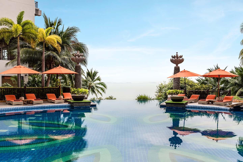 Beachfront Resort Pattaya Garden Cliff Beach Resort Spa North