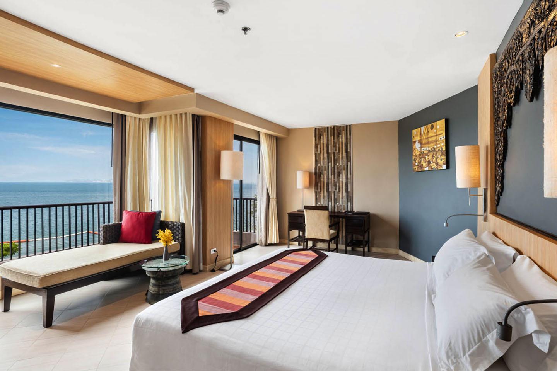 Beachfront Resort Pattaya - Garden Cliff Beach Resort & Spa, North ...